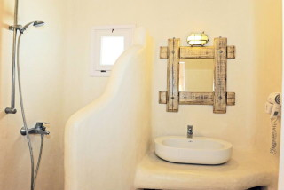 one bedroom apartment sarakiniko view bathroom